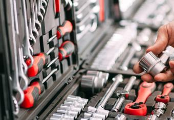 5 tools for working on your car that you really shouldn't skimp on