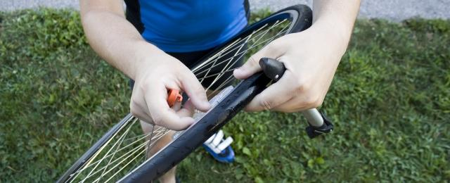 How to replace a bike tyre
