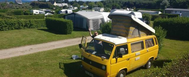 Caravan or motorhome? 5 things to consider when weighing up which is right for you