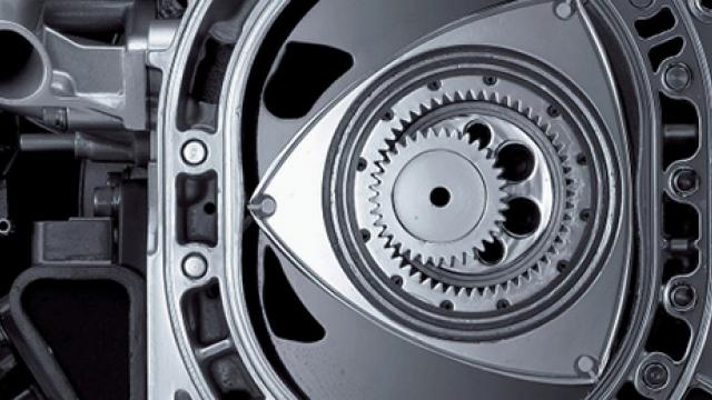 What is a rotary engine (and how does it work)?