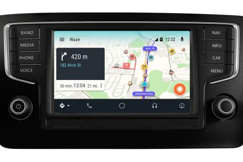 What apps does Android Auto support?