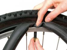 How to fit a new bike tire: step 3
