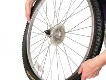 How to fit a new bike tire: step 5