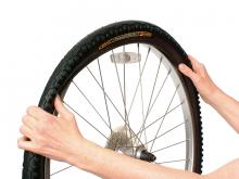 How to fit a new bike tire: step 4