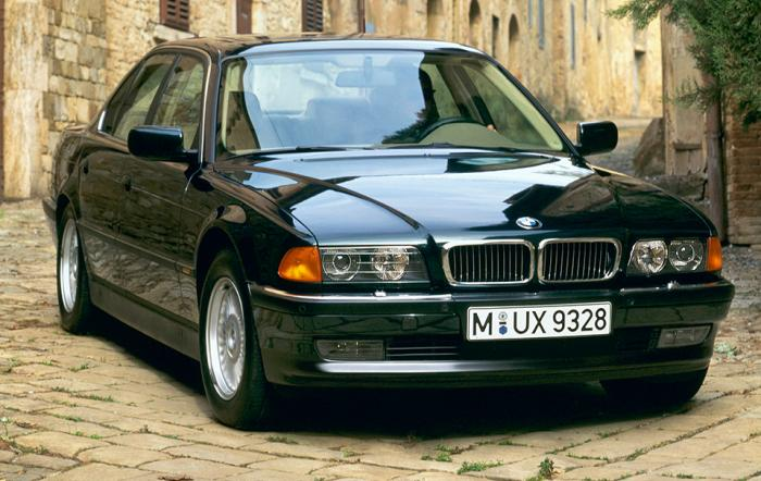 01 BMW 7 Series (E38)