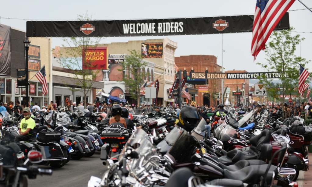 Banner welcomes bikers to Sturgis, SD