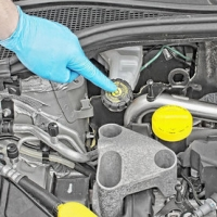 Checking brake fluid Kia Sorento 2003 - 2009 Petrol 2.4