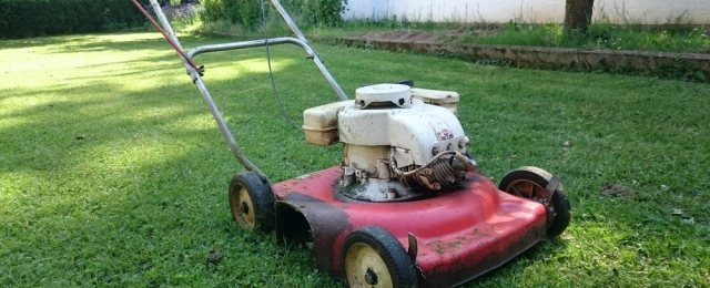tune up your lawn mower for spring haynes manuals rh haynes com haynes lawn mower manual Manual Push Lawn Mowers