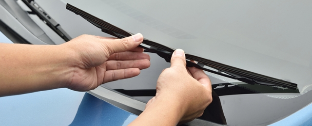 How to choose and fit new wiper blades