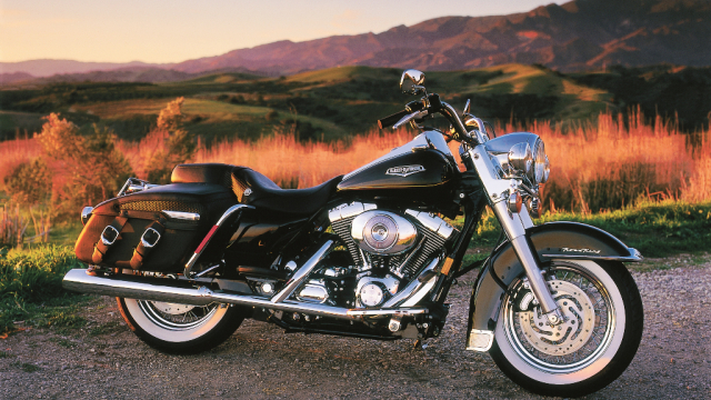 Harley-Davidson Twin Cam Road King