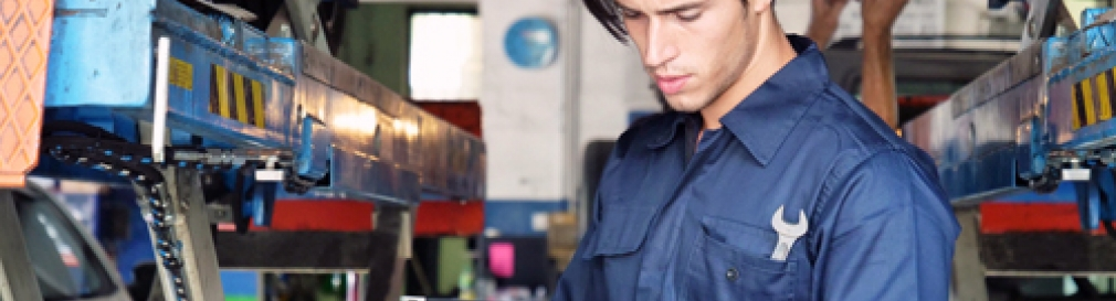 Mechanic inspects state inspection checklist