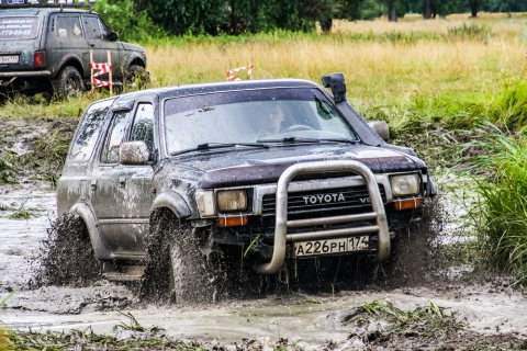 Toyota 4runner in a mud bog