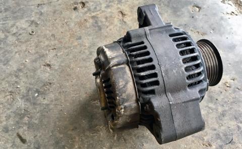 would a car run with a bad alternator