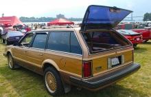 Faux wood paneled Pontiac 6000 Safari wagon with 3rd row seat