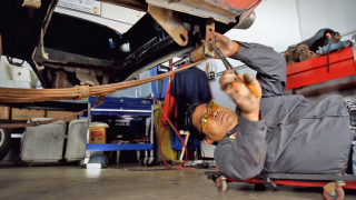Removing shackles and leaf springs
