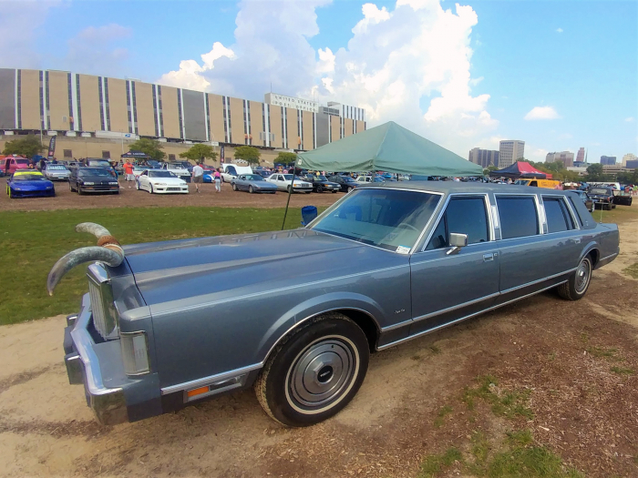 Big boxy limo get you to the show like a boss